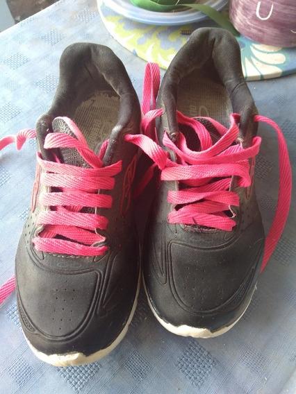 Zapatillas Pco Uso De Niña. La Negra N. 30, La De Pajaritos