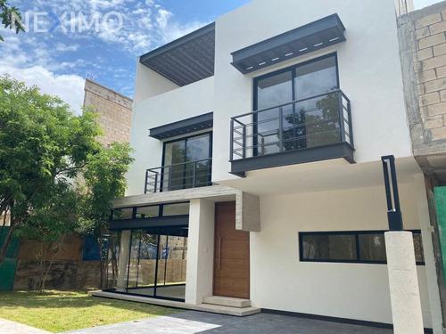 Imagen 1 de 22 de Venta De Casa En Avenida Colegios Cancún, Quintana Roo