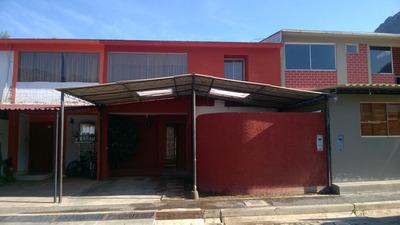 Casa De 3 Dormitorios, 2 Baños, Sala Comedor, Cochera, Lavan