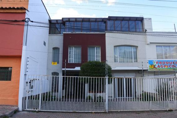 Casa En Pifo De Oportunidad - A Una Cuadra De Ruta Viva