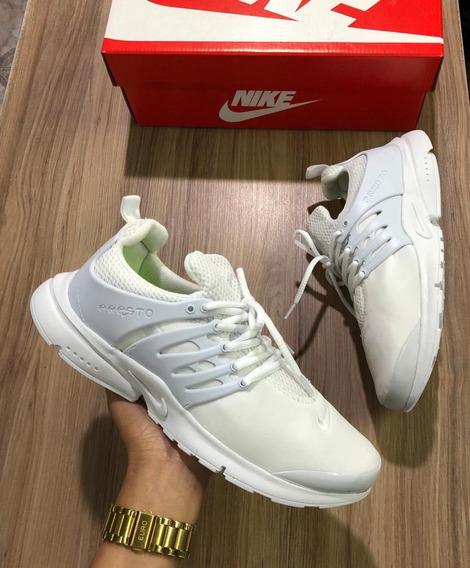 Tênis Nike Academia