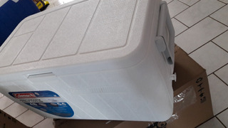 Caixa Térmica 45,4 Litros Branco - Coleman / Invicta
