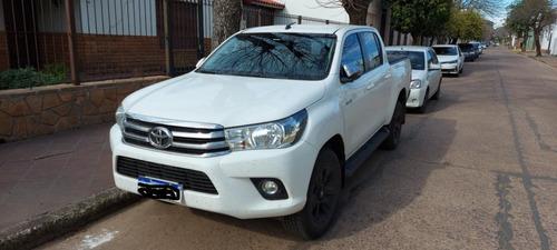 Imagen 1 de 6 de Toyota Hilux Srv 4x2 A/t