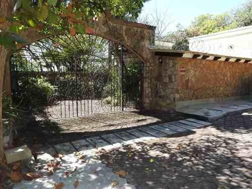 Venta De Casa En Tequesquitengo, Morelos...clave 3049