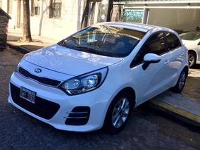 Kia Rio 1.4 Ex 109cv 6mt 2015 Blanco En Garantia Permuto