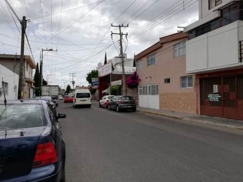 Casa En Venta Junto A Plaza Cristal, Cerca De Plaza Dorada Y C.u. Remate