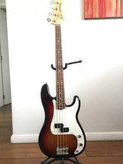 Contrabaixo Fender Amercian Special Precision Bass
