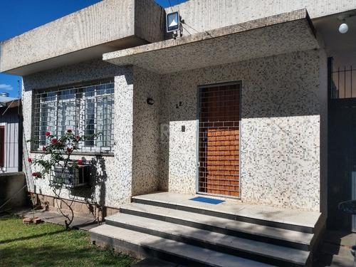 Casa Em Camaquã Com 3 Dormitórios - Lu431874
