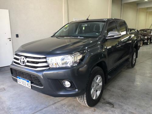 Toyota Hilux Srv 2.8 4x4 At