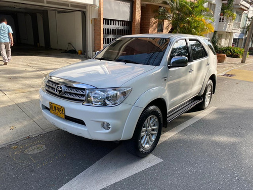 Toyota Fortuner Urbana At 4x2