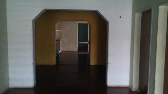 Casa En Venta En Zona Oeste Barquisimeto 20-17938 Rr