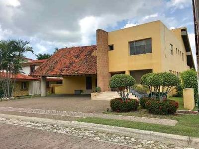 En Venta Hermosa Residencia En Lagunas De Miralta
