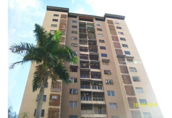 Santa Monica Apartamento En Venta 19-17093