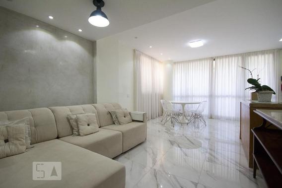 Apartamento No 5º Andar Mobiliado Com 2 Dormitórios E 3 Garagens - Id: 892956753 - 256753