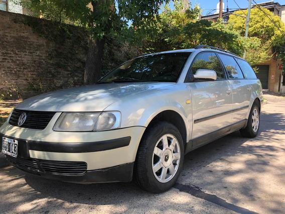 Volkswagen Passat 1.8 Mt 1999
