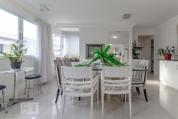 Apartamento Para Aluguel - Petrópolis, 3 Quartos, 246 - 893054115