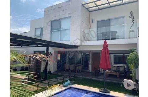 Lujosa Casa Ubicada En La Zona Dorada De Cuernavaca