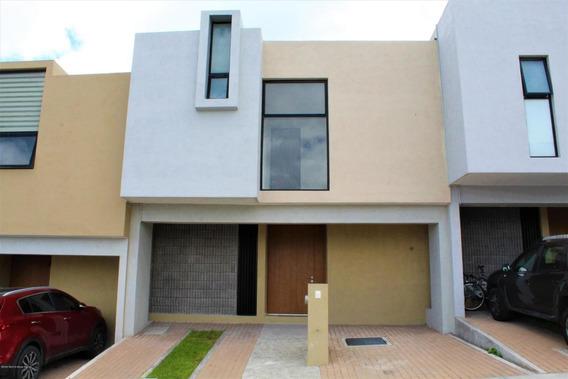 Casa En Renta En Zibata, El Marques, Rah-mx-20-3735