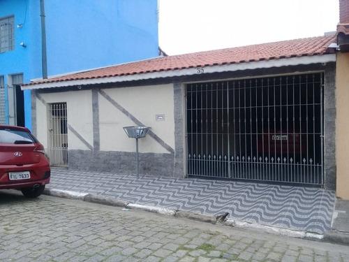 Casas - 3 Dormitórios             - 932
