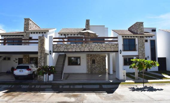 Casa De 3 Recamaras Y 3.5 Baños Con Alberca, Cerca De Playa