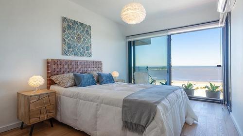 2 Dormitorios , Cocina Definida Con Terraza, 2 Baños, Sobre Rambla