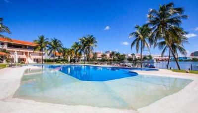 Venta De Penthouse En Exclusivo Residencial Isla Dorada En Zona Hotelera, Vista Laguna En Cancún