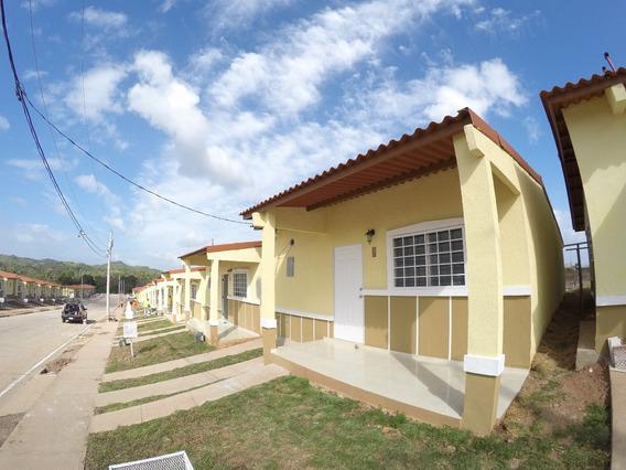 Casa En Villas Del Lago Emperador