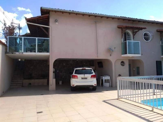 Casa De Esquina, Santa Monica. Próximo Ao Comercio. 4 Quartos, Piscina E 7 Vagas. - 2413