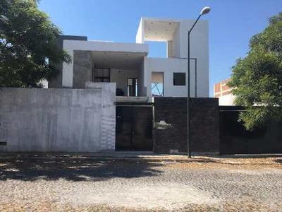 Excelente Casa Para Inversión De 500 M2 De Terreno