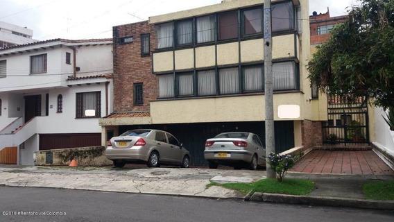 Casa En Venta Santa Barbara 19-378
