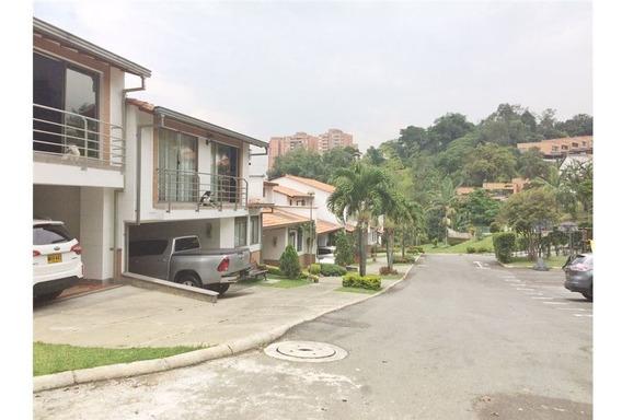 Casa En Venta En Envigado- Loma Del Chocho