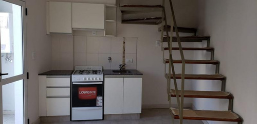 Imagen 1 de 8 de Departamento - Centro - Dúplex 1 Dormitorio C/patio Al Contrafrente. Gas Instalado!