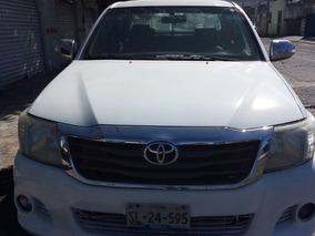 Toyota Hilux 4 Puertas 2015