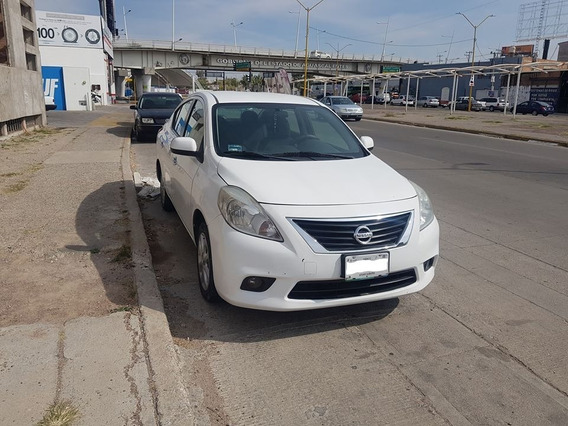 Nissan Versa Advance 2013, 1.6 T. A.