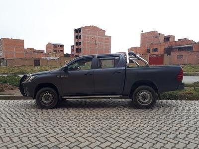 Camioneta Hilux Excelente Estado. Mantenimiento En Toyosa