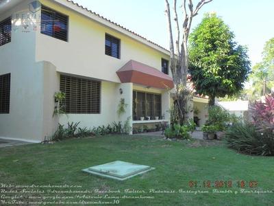 Como Nueva, Casa Venta Altos De Arroyo Hondo Iii. Id.1046