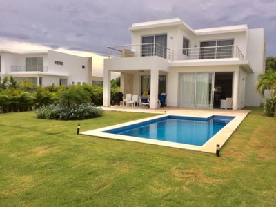 Villa Amueblada Entre Playa Y Campo De Golf En La Romana
