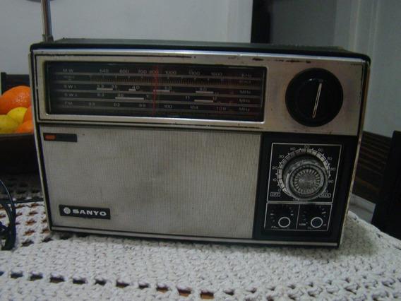 Antigo Rádio Sanyo 4 Faixas Para Consertar