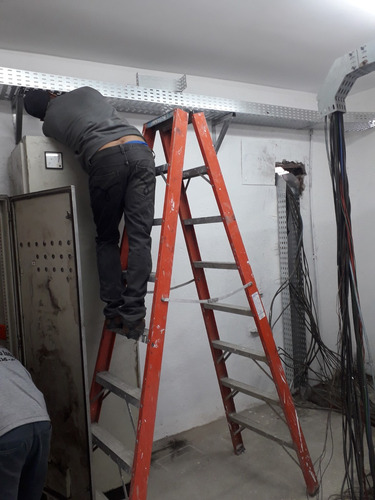 Elétricista Industrial E Residencial - Hentromaq - Ltda