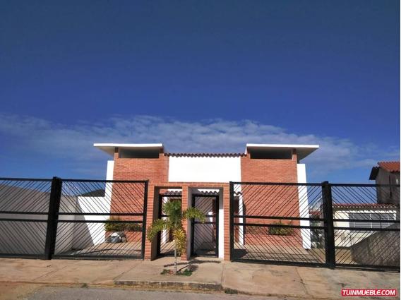 Townhouses En Venta Playa El Angel Pampatar