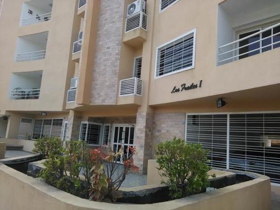 Apartamento En Venta En Los Chaguaramos Mls #20-4183 Aea