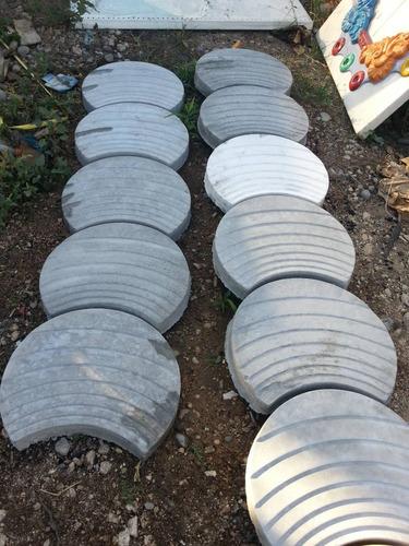 Imagen 1 de 4 de Molde Usado Prefabricados  Tipo Medialuna O Maderos