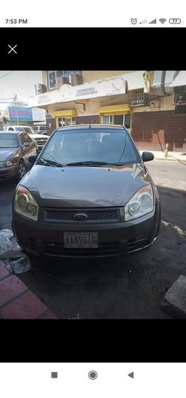 Ford Fiesta Max Año 2010 Automatico
