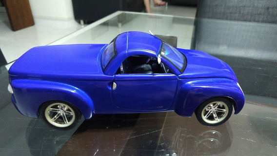 1:18 Miniatura Do Chevrolet Ssr - Escala 1/18
