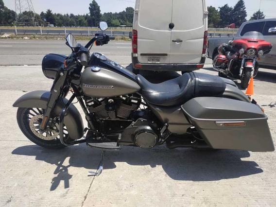 Harley-davidson Roadking Special 2018
