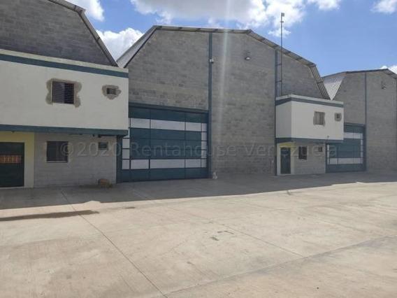 Galpón En Venta En Barquisimeto 20-24212 Hjg