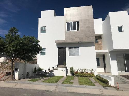 Imagen 1 de 9 de Casa En Renta Dentro De Condominio El Condado, Al Sur De La Ciudad, Querétaro.