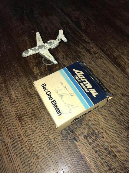 Avión De Austral 197? En Caja Con Autógrafo De G. Vilas