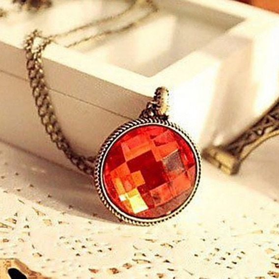 Collar Medallón De Gema Facetado Roja Vintage