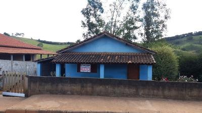 Uma Casa E Terreno No Bairro Barro Amarelo Em Borda Da Mata. - Ete31